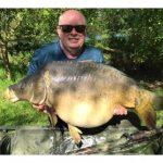 carp-fishing-in-france-at-trident-lakes-john-burnhope-52lb-2oz